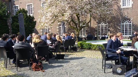 Dag 3 van de Limburgse MEP Conferentie 2016:  Vergaderen en lobbyen gaat te allen tijde door!